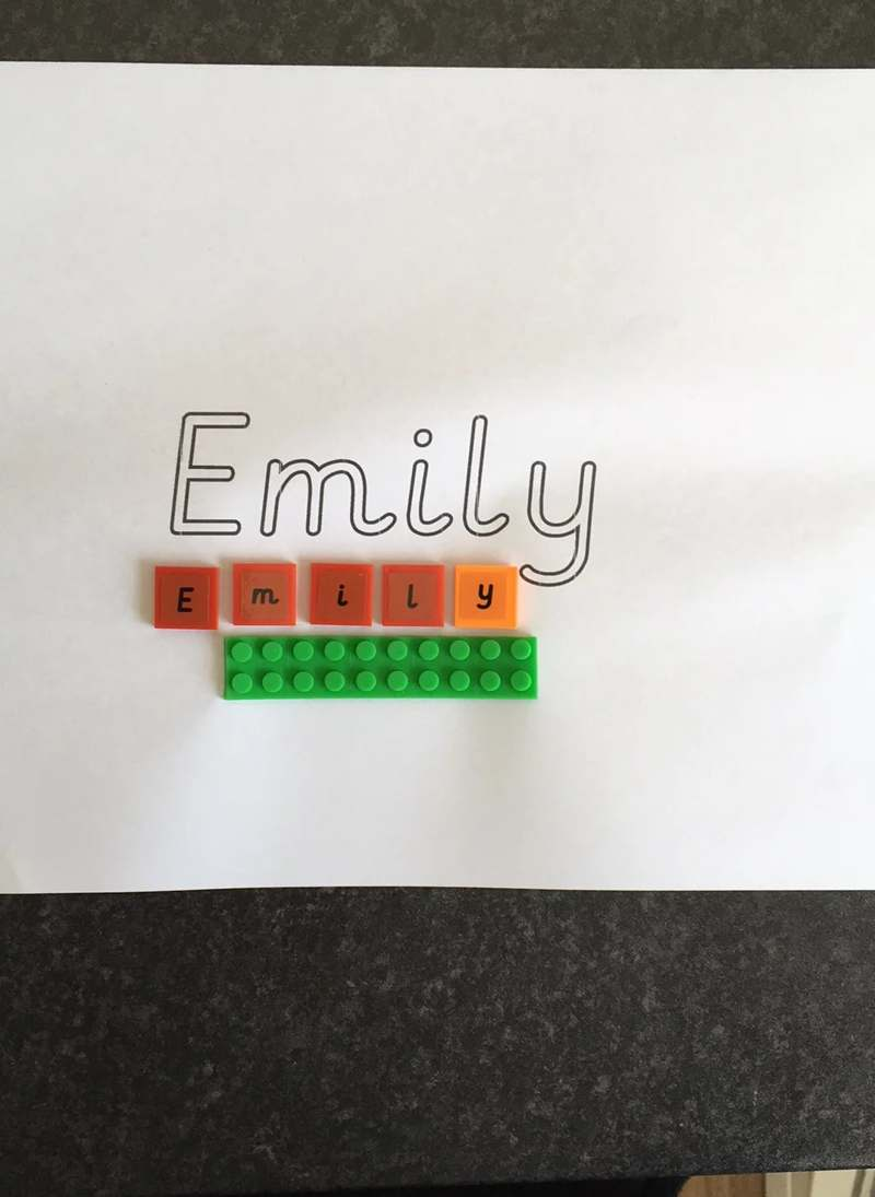 Lower case letters for personalised name writing and building