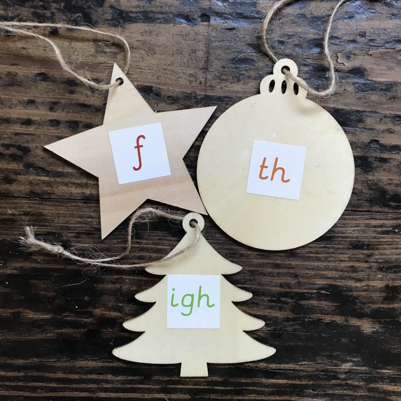 Phonic christmas decorations letters and sounds activity